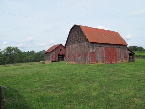 Hume_barns